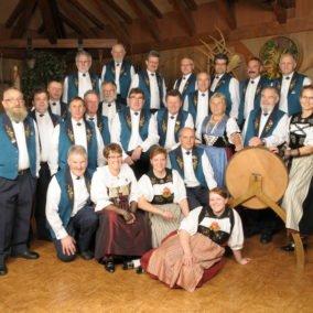 Trachtengruppe 2 284x284 - Jodlerklub Oberwynental