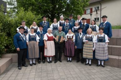 Gesamtfoto Trachtengruppe kaug. 18 386x257 - Offene Tanzprobe am 27. August 2018