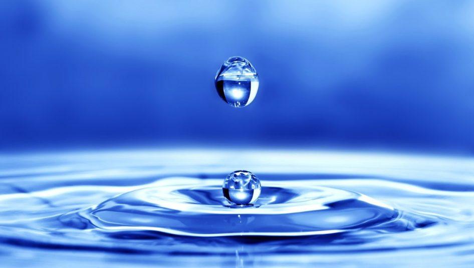 little drops of water 946x535 - Trockenes Wetter: sparsamer Umgang mit Trinkwasser!