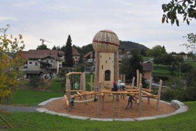 00A 3559 386x257 - Eröffnungsfest Spielplatz