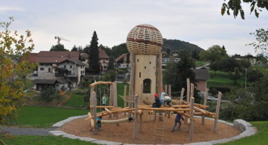 00A 3559 527x286 - Eröffnungsfest Spielplatz