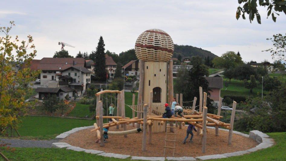 00A 3559 946x535 - Eröffnungsfest Spielplatz