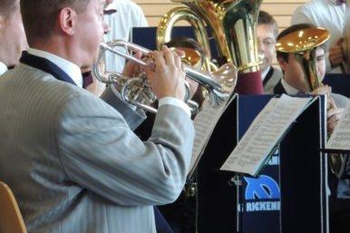 DSCN20921 386x257 - Jubilarenständli der Brass Band