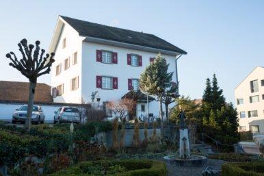 IMG13968 386x257 - 8-Zimmerwohnung, Pfarrhaus Rickenbach, Dorfstrasse 5