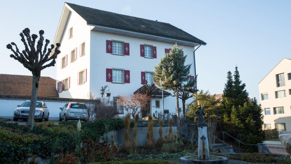 IMG13968 946x535 - 8-Zimmerwohnung, Pfarrhaus Rickenbach, Dorfstrasse 5