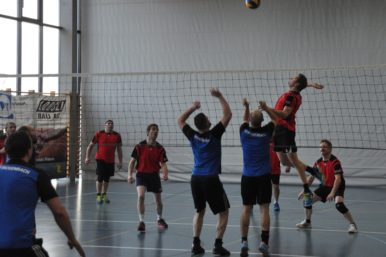 Volleyball Turnier Rickenbach 1 386x257 - Volleyball-Turnier für Männerriegen/Plausch- und Mixed-Teams