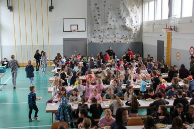 Spaghettiplausch16.05.2019 01 386x257 - Spaghettiplausch in der Schule Rickenbach 16.05.2019