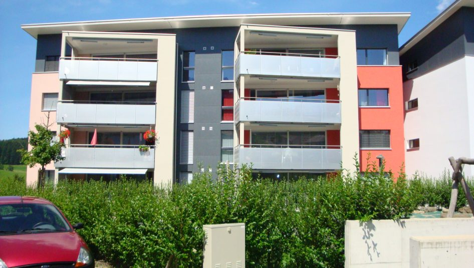 Haus 2 946x535 - grosszügige 3½-Zimmerwohnung
